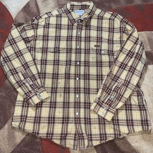 Men's Carhartt button up shirt.